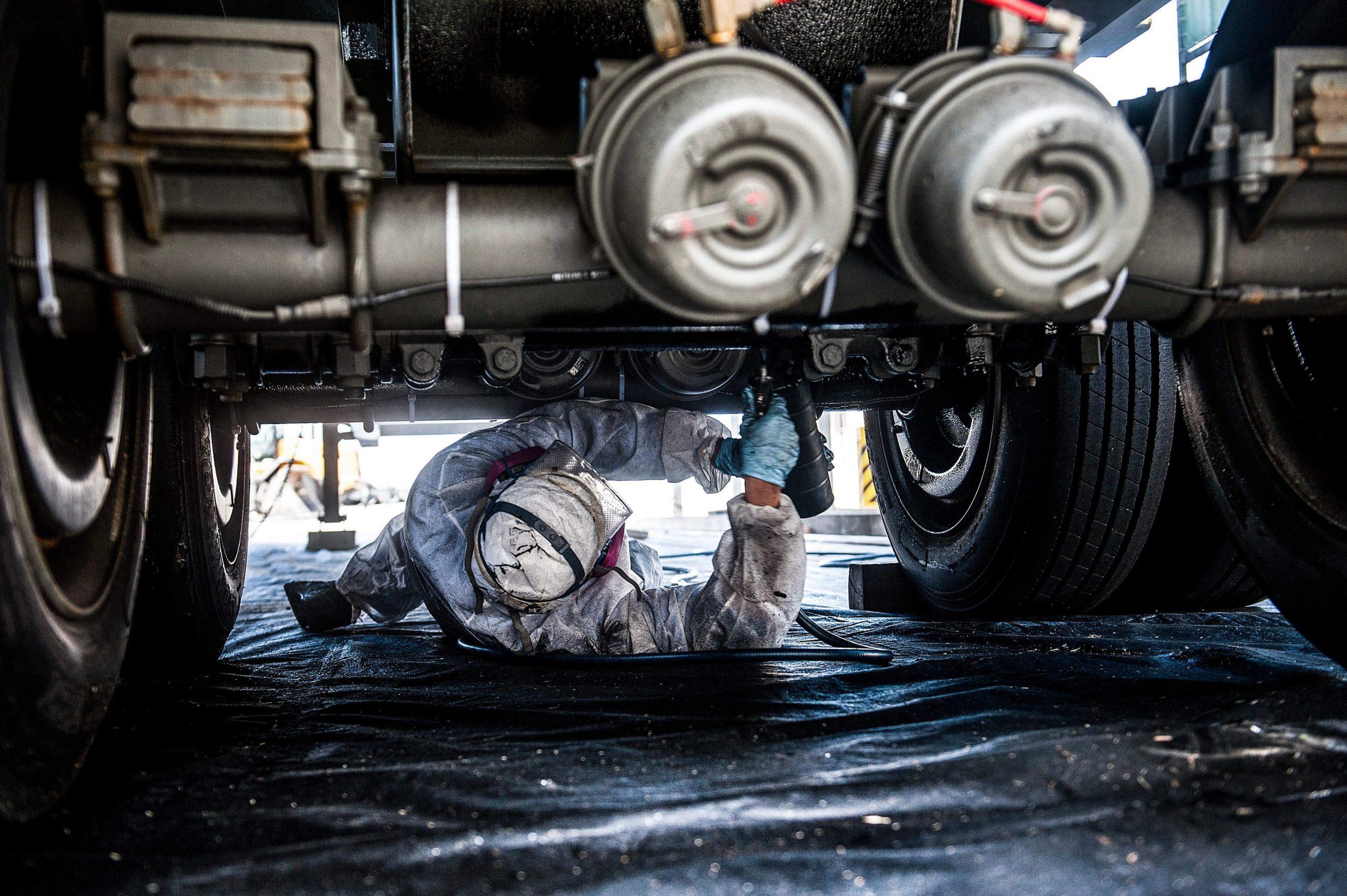 trailer repair shop